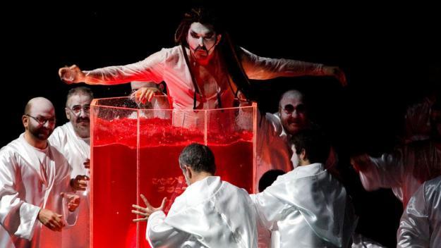 La Carmina Burana més trepidant arriba al Teatre-Auditori amb la Fura dels Baus
