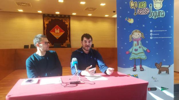 El vocal d'Esports, Bernat Gisbert, amb el director de la cursa, Oriol Gràcia / Foto: Cugat.cat