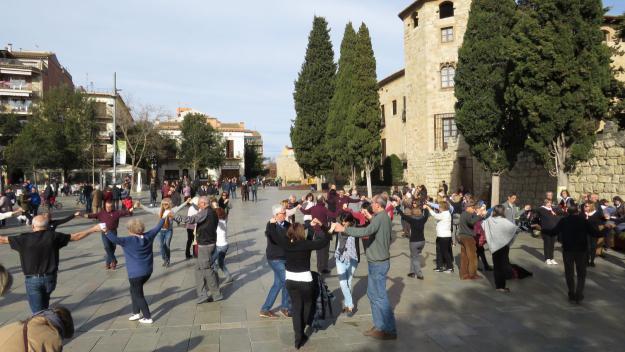 Balladors de sardanes a Octavià / Foto: Cugat Mèdia