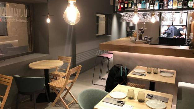 Un nou restaurant especialitzat en platets i tapes per compartir aterra a Sant Cugat