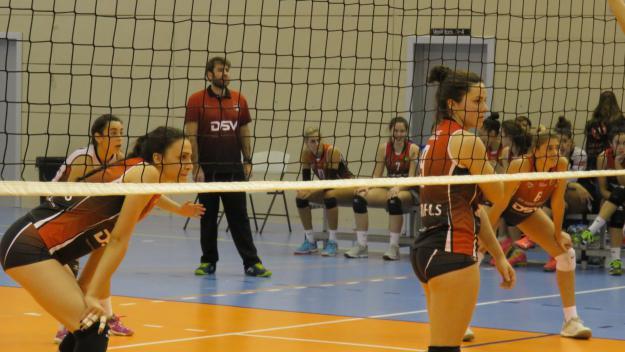 El DSV-Club Voleibol Sant Cugat busca allunyar-se definitivament del descens a Madrid