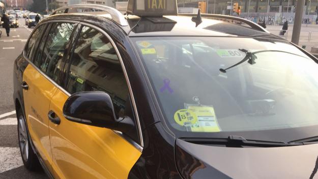 Taxistes de Sant Cugat s'ofereixen a ajudar gratuïtament dones que se sentin insegures al carrer