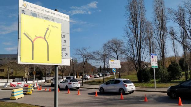 L'entrada a la carretera de Rubí des de la rotonda, un dels punts calents / Foto: Cugat.cat
