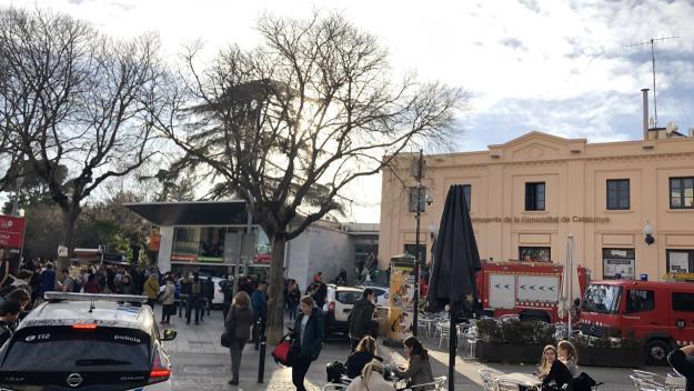Moment de l'incident a l'estació de FGC / Foto: Cugat.cat
