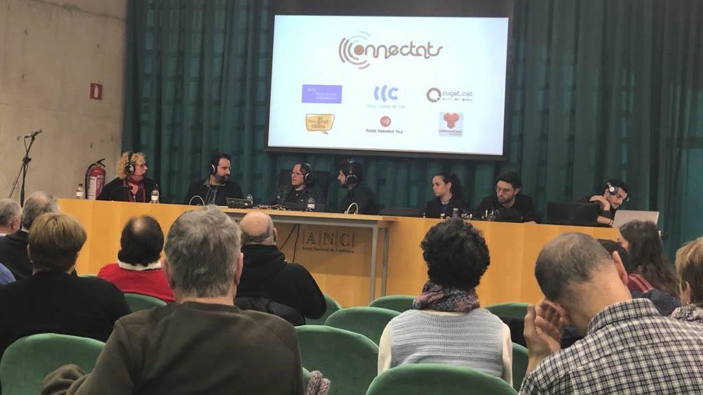 Cugat.cat fa honor a la ràdio amb una edició especial del 'Connectats' i 100 espectadors