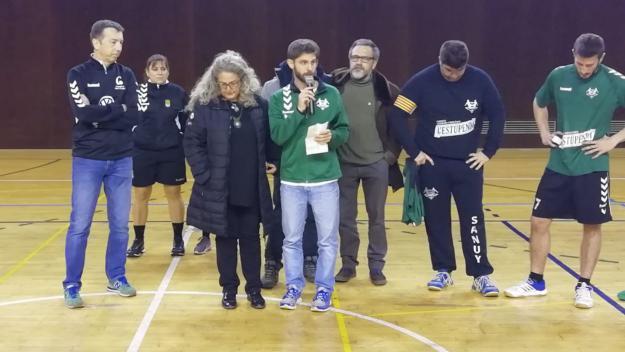 L'Handbol Sant Cugat C i l'Handbol Valldoreix reten un emotiu homenatge a Sergi Porteros