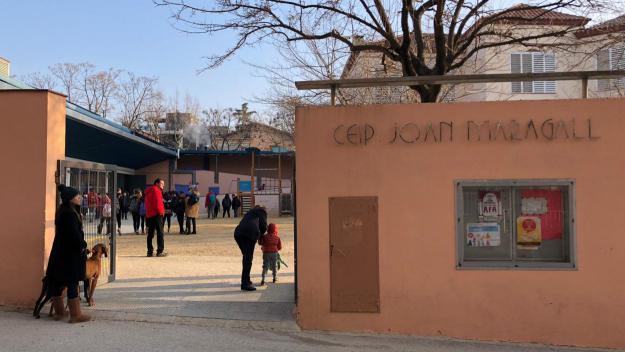 Entrada de l'escola pública Joan Maragall / Foto: Cugat Mèdia