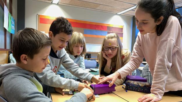 Una manera de promoure les carreres científico-tecnològiques entre les noies