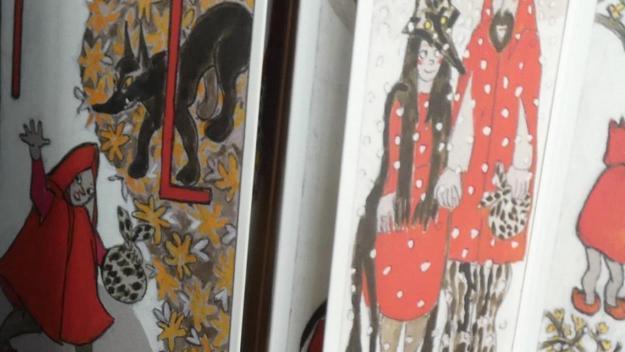 Exposició i conte: 'Les mil i una caputxetes'