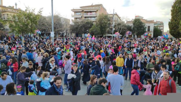 El carnaval infantil ha inundat la plaça d'Octavià de festa i xerinola / Foto: Cugat.cat