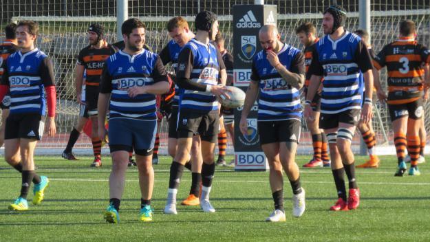 Els jugadors del Rugby Sant Cugat durant un partit d'aquesta temporada / Foto: Cugat.cat