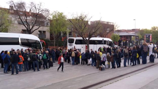 Els autocars han arribat quan passàven pocs minuts de les set del matí / Foto: Cugat.cat