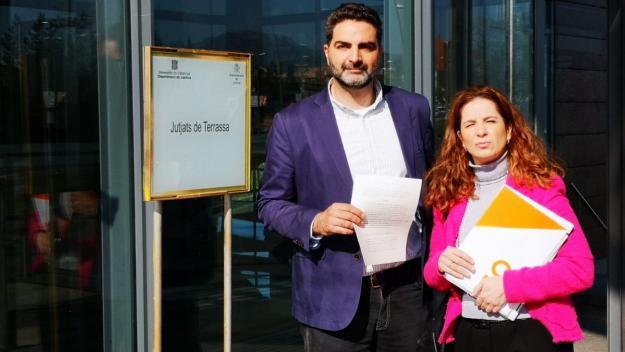 Cs denuncia Fortuny a la Fiscalia per mantenir la pancarta dels presos