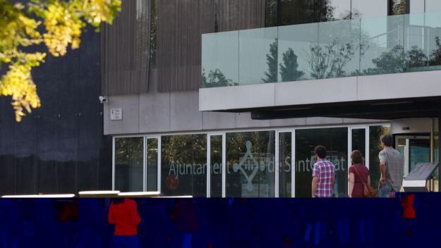 Els taronges afirmen que a l'interior del consistori hi ha 'símbols partidistes' / Foto: Ajuntament