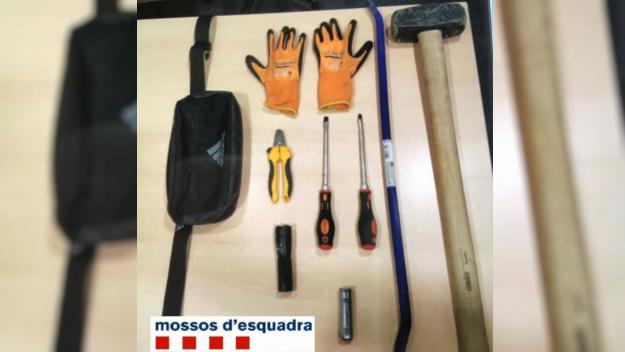 Imatge de les eines trobades pels Mossos / Foto: Mossos d'Esquadra