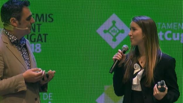 L'estudiant Cristina Grau, Premi Sant Cugat pel projecte 'Tendiendo la mano al futuro'