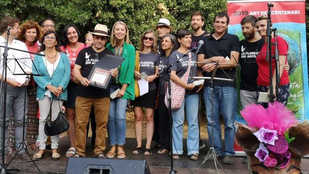 L'alcaldessa, Mireia Ingla, amb la Comissió del Centenari i altres regidors / Foto: Ajuntament
