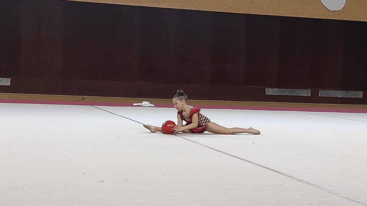 El 19è Campionat Local i Comarcal de Rítmica posa a prova desenes de gimnastes