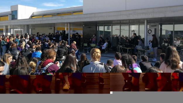 L'entrevista a LilDami i Sr. Chen ha congregat més d'un centenar de persones / Foto: Cugat.cat