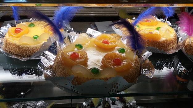 [FOTOGALERIA] Les mones de Pasqua omplen els aparadors de les pastisseries de Sant Cugat