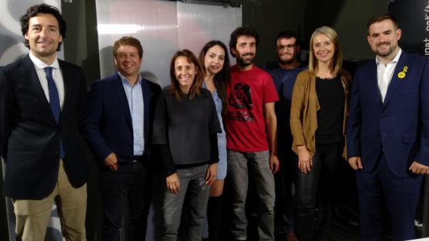 Foto de família del debat al plató de Cugat.cat / Foto: Cugat.cat