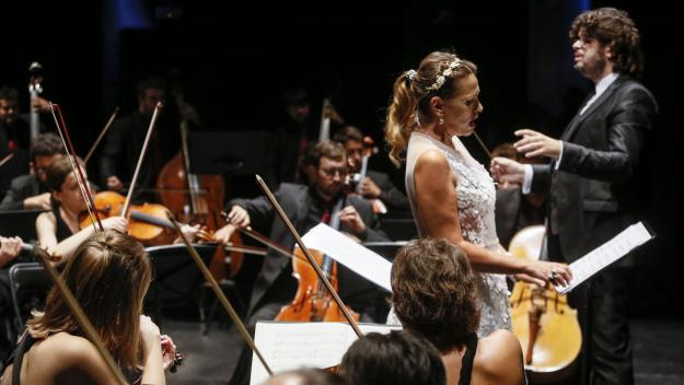 Ainhoa Arteta, amb l'Orquestra Simfònica Camera Musicae / Foto: Manel E. Berenguer