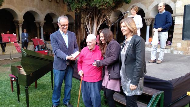 El Muntanyenc bufa 75 espelmes amb homenatges als socis