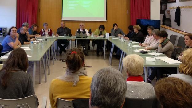 Les dades s'han donat a conèixer al consell de barri de les Planes / Foto: Cugat.cat