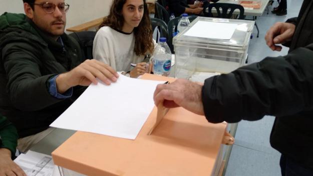6.500 valldoreixencs, cridats avui a les urnes al territori