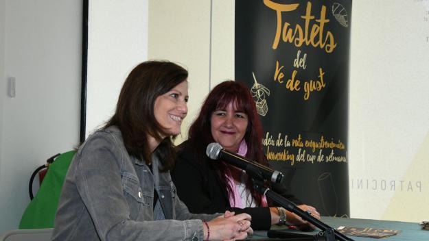 Sílvia Solanellas i Mayte Pérez, durant la presentació / Foto: Localpres