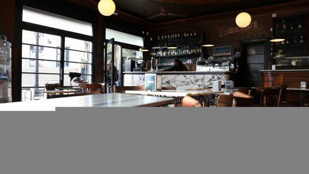 L'interior del Bar Catalunya / Foto: Lluís Llebot