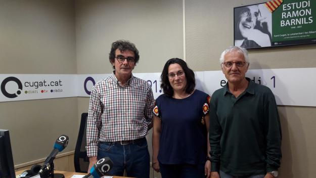 La referent de Càritas Sant Cugat, Montse Peñalver, visita el 'Converses consentides'