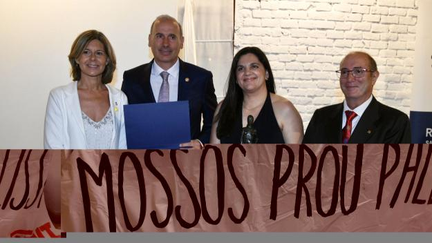 Els guardonats de la 28a Nit Rotària amb l'alcaldessa i el president del Rotary Sant Cugat / Foto: Localpres