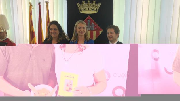 Mireia Ingla al centre amb els socis de govern Pere Soler i Núria Gibert