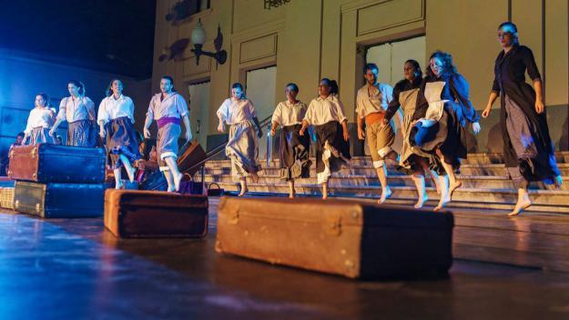 L'Esbart mostra un any de feina amb l'estrena de Festa Major, 'M'agradi o no'