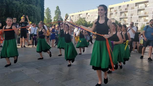 El seguici d'inici ha donat el tret de sortida a la Festa Major / Foto: Cugat Mèdia