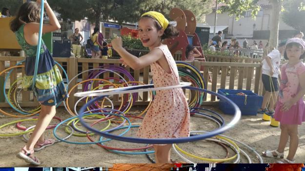 Una tarda eclèctica de tallers i activitats ha fet gaudir petits i grans a la Festa Major