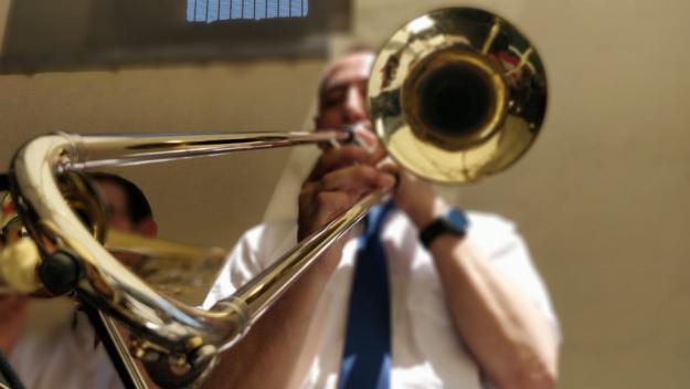 El swing de l'Orquestra Moderna Fusió ha enamorat els espectadors del Celler Modernista / Foto: Cugat Mèdia
