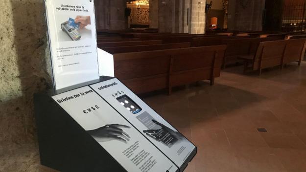 L'aparell permet fer donacions de quatre quantitats diferents / Foto: Cugat Mèdia