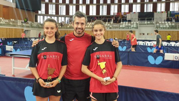 Les germanes Munné sumen la primera medalla de la UESC en un Estatal / Font: UESC