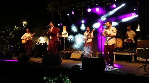 Diferents estils musicals han impregnat la festa grossa / Foto: Cugat Mèdia