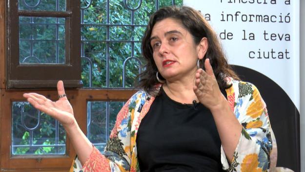 La periodista Irantzu Varela durant l'entrevista / Foto: Cugat Mèdia