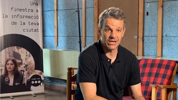 Karlos Zurutuza durant l'entrevista / Foto: Cugat Mèdia