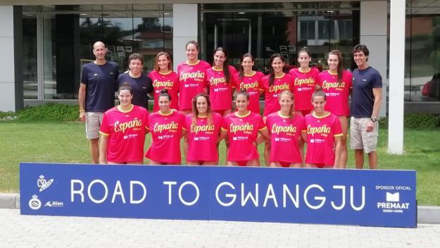 Imatge de la selecció espanyola femenina de waterpolo al CAR / Font: Cugat.cat