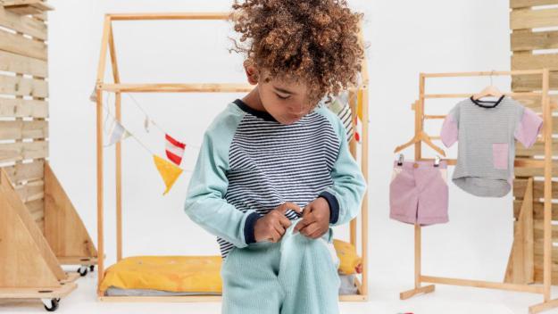 Els infants aconsegueixen vestir-se sols / Foto: Cedida per Monika Ligeza