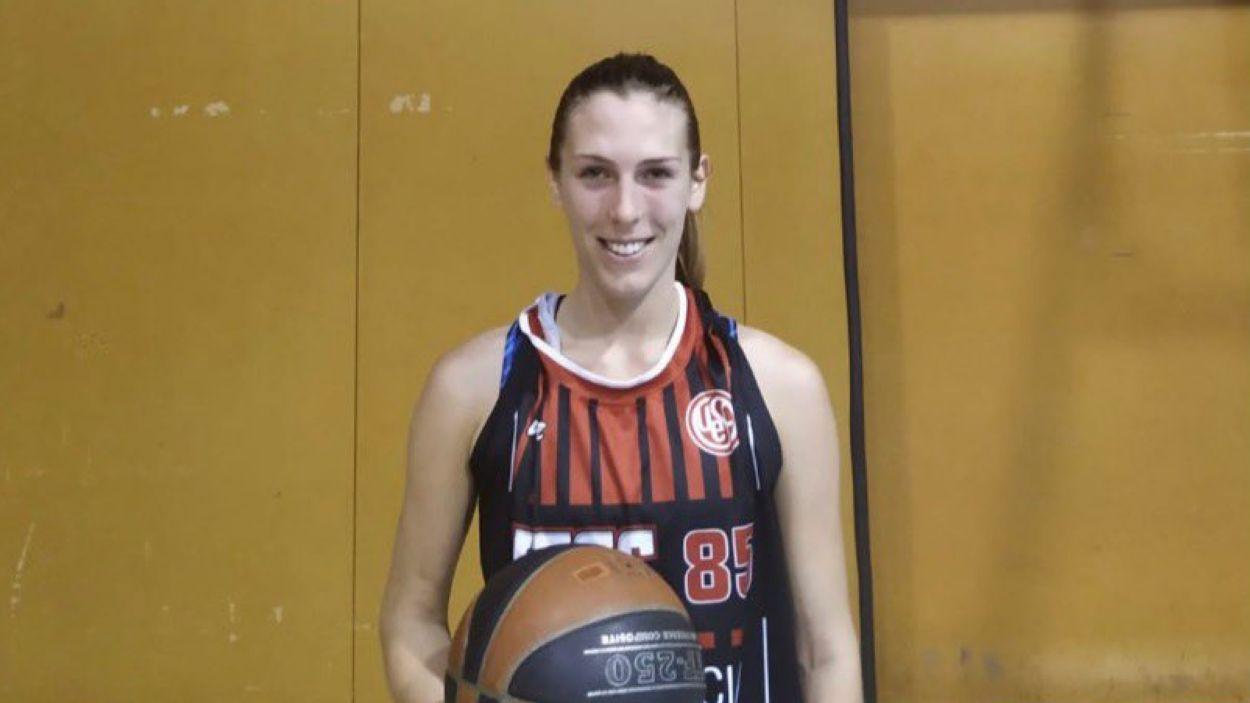 Siaoa Lucas continua a l'equip femení de la UESC / Font: UESC
