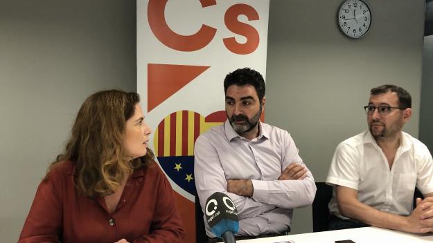Els tres regidors de Cs a l'Ajuntament de Sant Cugat en roda de premsa / Foto: Cugat Mèdia
