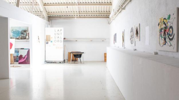 L'artista Ramon Balcells presenta al Mercantic la seva exposició 'Series, series, series'