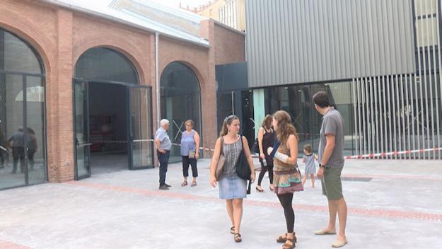 Entusiasme dels socis de La Unió Santcugatenca amb les remodelacions de la seu