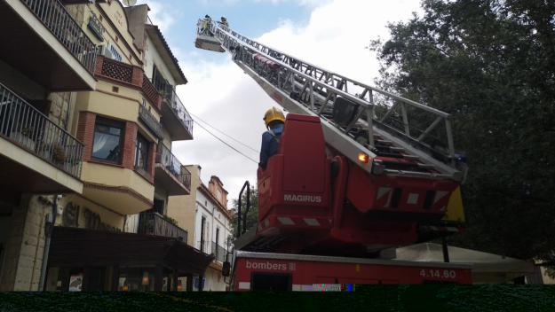 Expectació per l'incendi a El Mesón